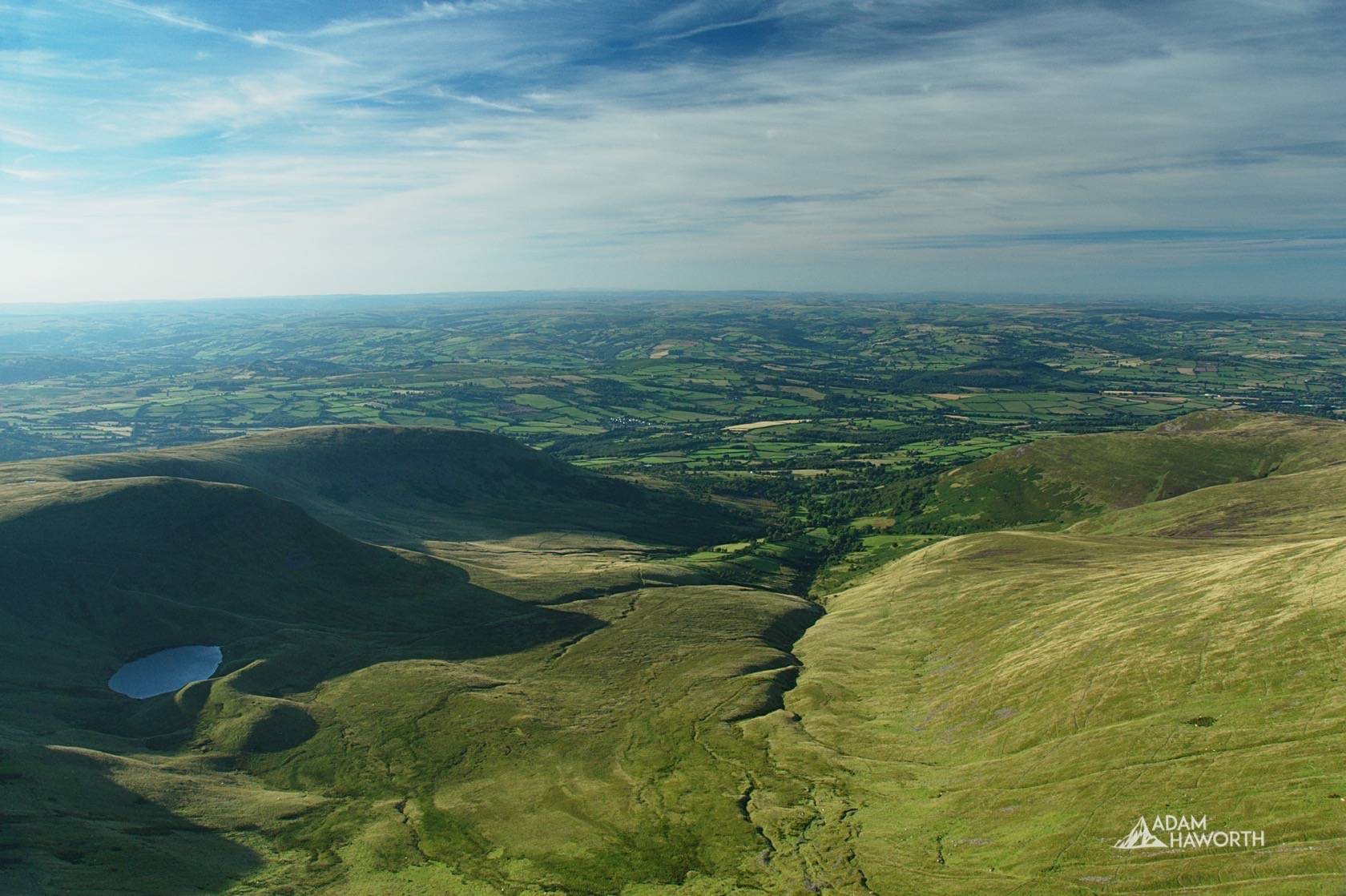 A summers day in the Brecon Beacons – Corn Du & Pen y Fan Circular Walk
