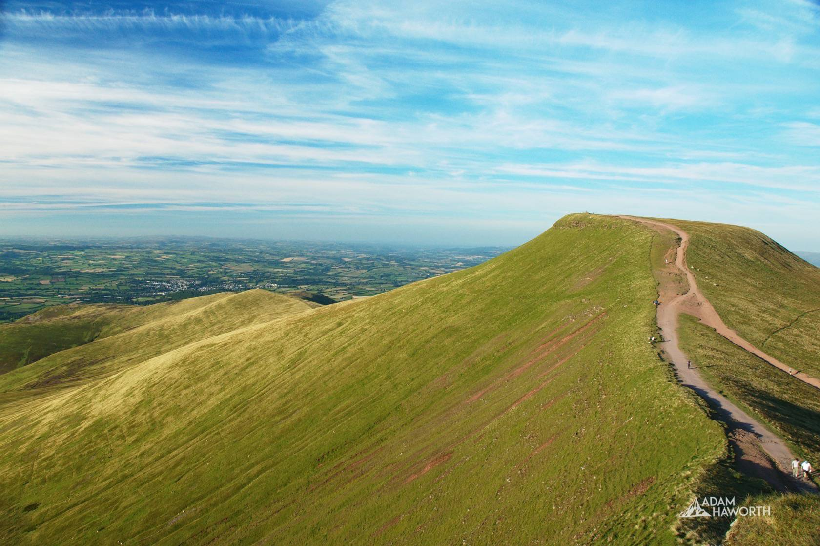 A summers day in the Brecon Beacons - Corn Du & Pen y Fan Circular Walk